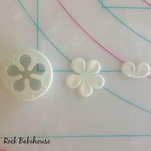 Bumble Bee Cupcake Topper Tutorial