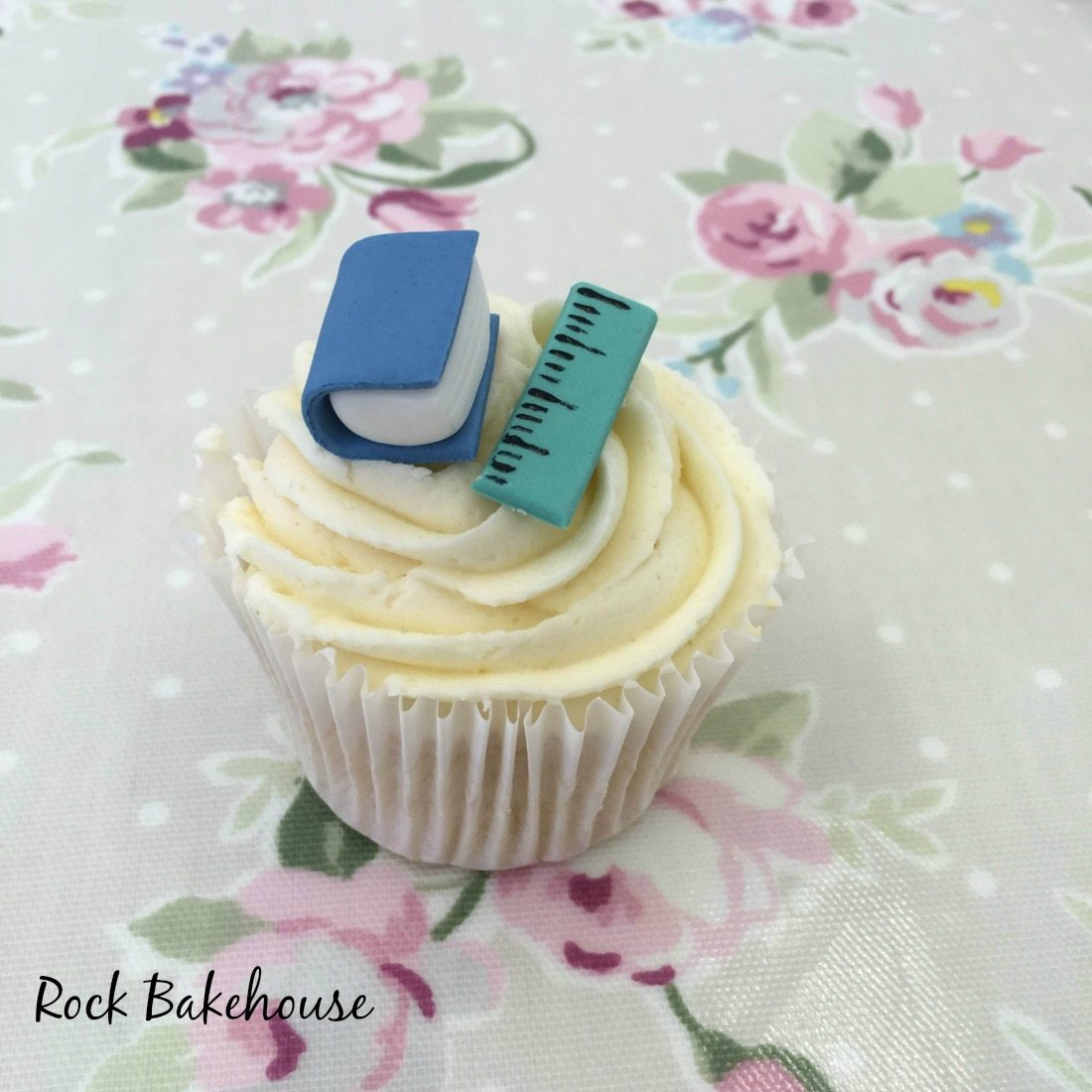 Back To School Cupcake Topper Tutorial